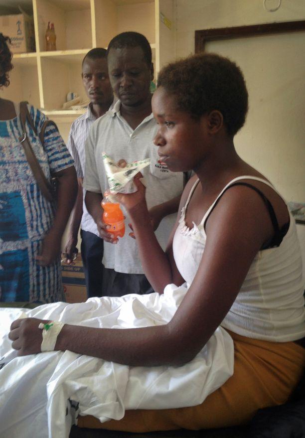 Nuori nainen oli löydettäessä väsynyt ja janoinen, mutta muutoin hyvässä kunnossa.