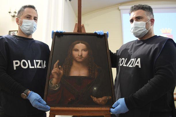 Salvator Mundin versio löytyi vaatekomerosta Napolissa.