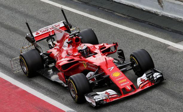 Kimi Räikkönen ja Ferrari satsaavat aerodynamiikkaan isosti.
