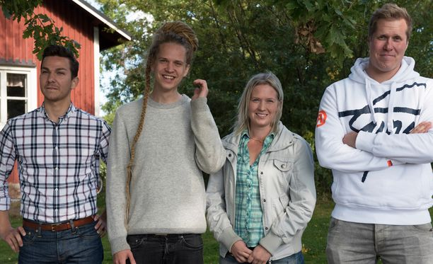 Heikki (vas), Lauri, Sanna ja Aapo.