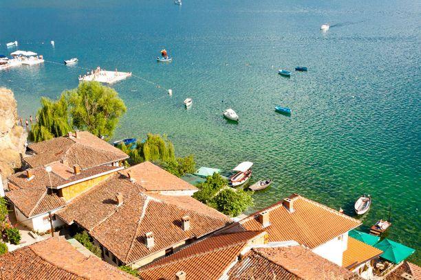 Makedonian Ohridjärvi on yksi Euroopan syvimmistä ja vanhimmista järvistä.