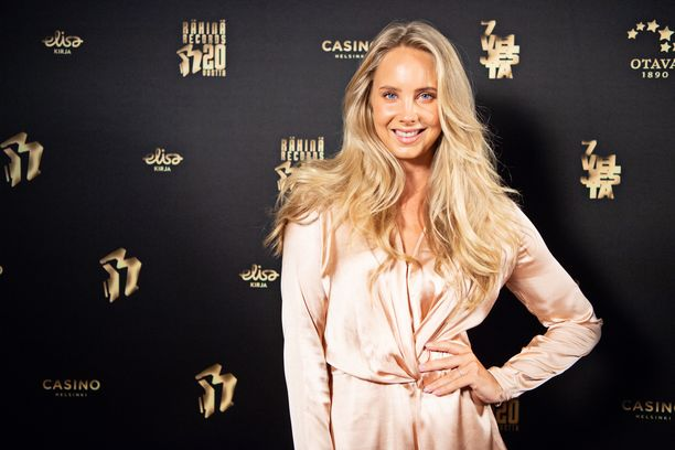 Sabina Särkkä nousi julkisuuteen Miss Suomi -kilpailusta.
