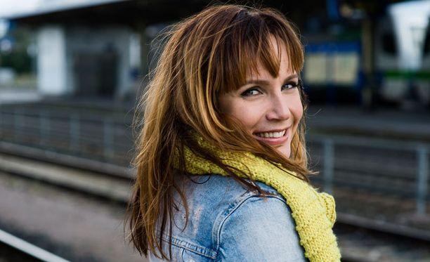 Niina tunnetaan muun muassa Hyvistä ja huonoista uutisista sekä Vino Show'sta.