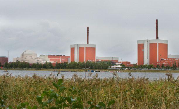 Ydinvoimalan sähköntuotanto jatkuu ulosmarssista huolimatta.