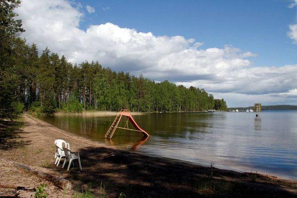 Sisävesistöt ovat yleensä lämpimimmillään heinäkuun lopulla tai elokuun ensimmäisinä viikkoina.
