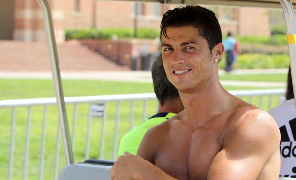 Cristiano Ronaldolla on silmää naiskauneudelle.