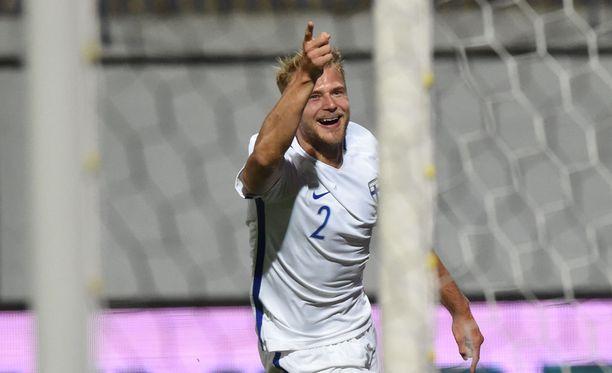 Paulus Arajuuri avasi MM-karsinnan maalilla Kosovoa vastaan.