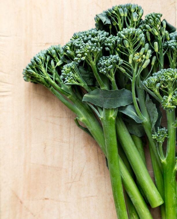 Broccoliinit ovat kahden erilaisen parsakaalin risteymä.