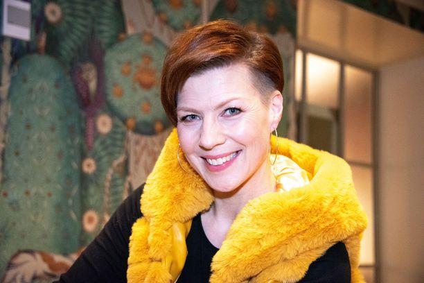 Heidi Kyrö toimi tyttärensä opettajana etäopetuksen aikana.