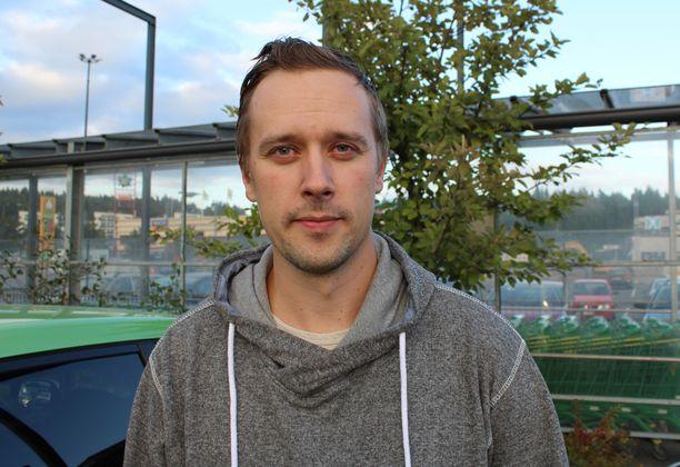 Mikko Saastamoisen mukaan hallitus iskee väärään paikkaan uusimmilla leikkauksilla.