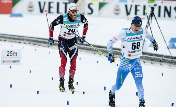 Norja voitti Suomen hiihtoasukilpailussa, kirjoittaa Juha Veli Jokinen.
