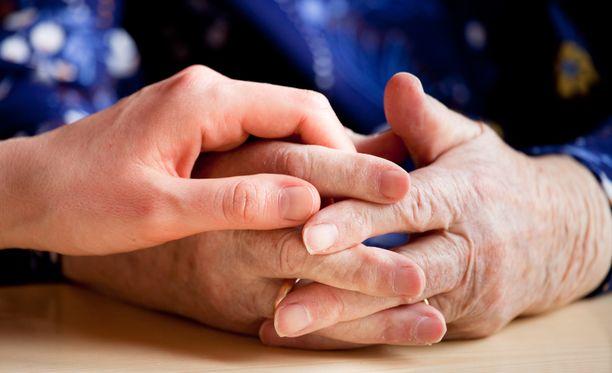 Dementia ei ole erillinen sairaus, vaan oireyhtymä, jonka aiheuttajana on etenevä muistisairaus.