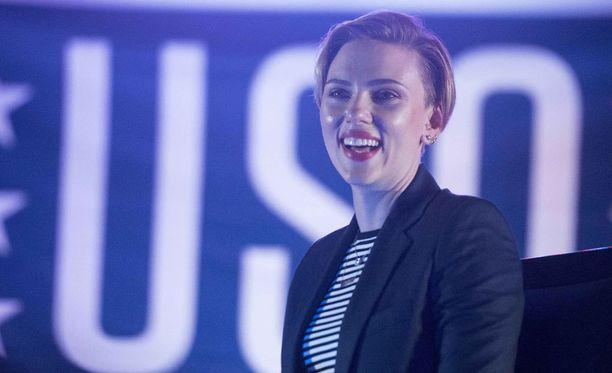 Scarlett Johansson kävi joulukuussa esiintymässä amerikkalaissotilaille Qatarissa.