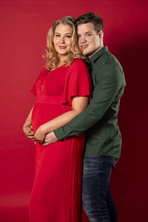 Temptation island -sarjasta tutut Vilma ja Juuso saavat vauvan.