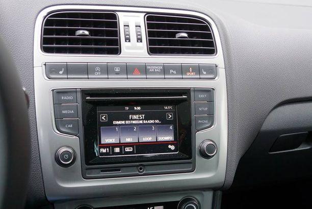 Polo sai saman kosketusnäytöllisen ohjauspaneelin kuin on useissa muissakin Volkswageneissa.