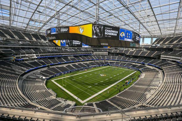 Los Angeles Rams pelaa uudella kotiareenallaan ensimmäisen ottelunsa Suomen aikaa syyskuun 14. päivänä Dallas Cowboysia vastaan.