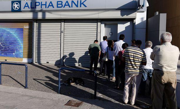 Pankkien piti avata ovensa tällä viikolla kansanäänestyksen jälkeen, mutta toisin saattaa käydä.