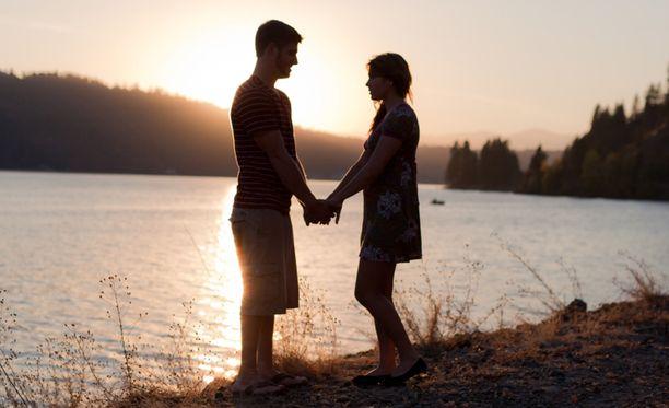 Lukijat kertovat romanttisista tapahtumista.