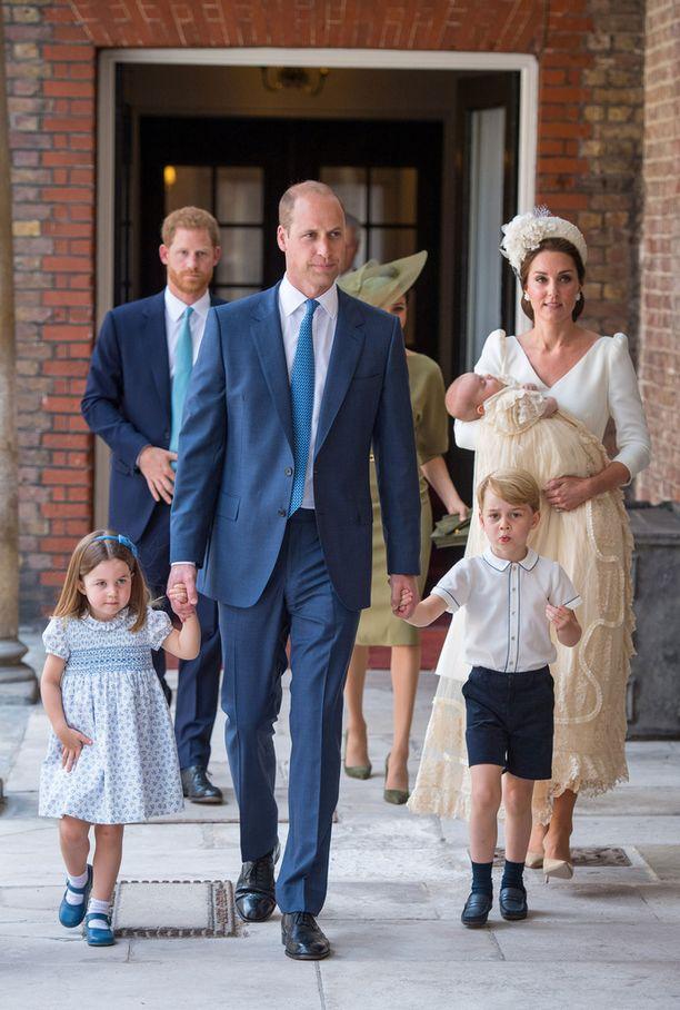 Prinssi William piti huolta Louisin isoveljestä Georgesta, sekä isosisko Charlottesta.