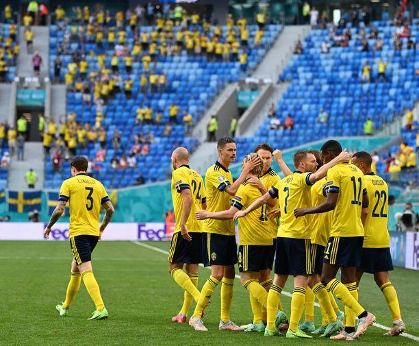 Ruotsi voitti lohkonsa seitsemällä pisteellään.