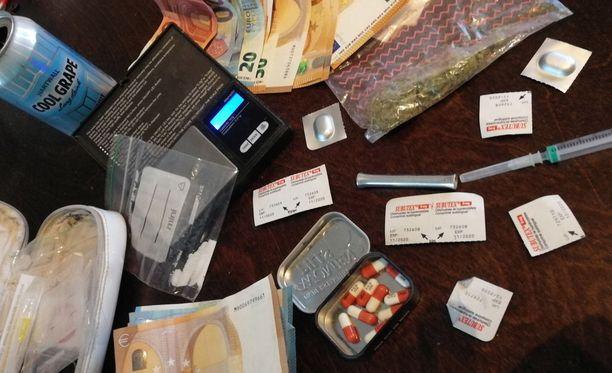 Nuorten huumeiden sekakäyttö on lisääntynyt Espoonlahden lastensuojelun piirissä. Kuvituskuva.