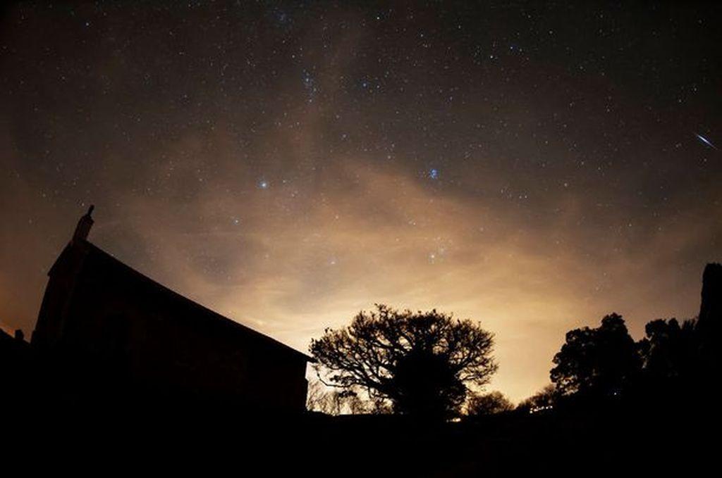 Vuoden mahtavimmat tähdenlennot taivaalla ensi yönä - luonnon upea näytelmä jäänee pilvien kätköön