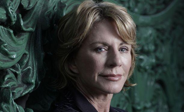 Patricia Cornwell julkaisi ensimmäisen paljastuskirjansa Viiltäjä-Jackistä vuonna 2001.