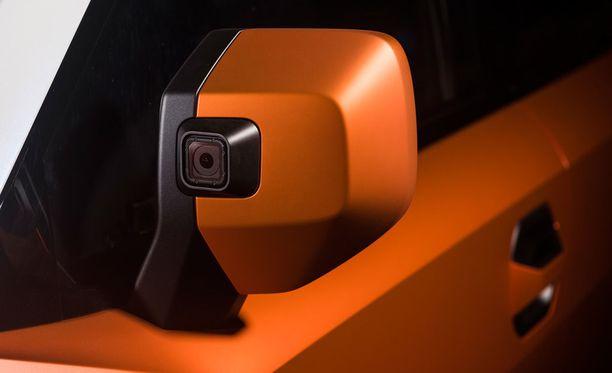 Kuljettajan sivupeiliin on integroitu GoPro-kamera.