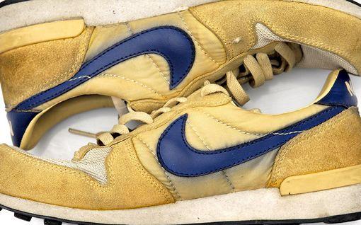 MOT: Urheiluvälineyhtiö Nike kiertää miljardiverot