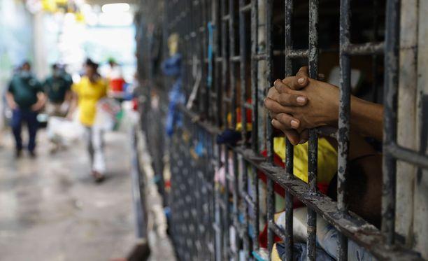 Vankeja pidetään tunnetusti epäinhimillisissä oloissa Filippiineillä. Kuvituskuva manilalaisesta vankilasta lokakuussa 2017.