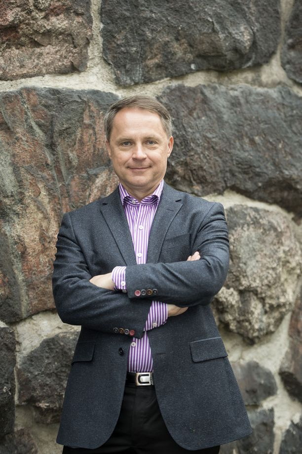 Petteri Järvinen sanoo, ettei tavallinen käyttäjä tarvitse puhelimeen erillistä tietoturvasovellusta.