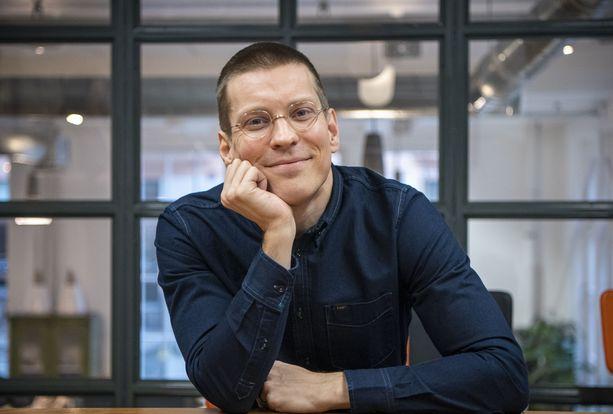 Antti Holma on someton mies.