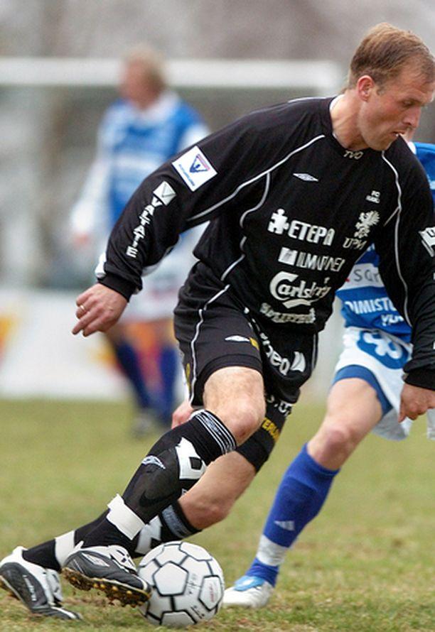 Hakan Valeri Popovitsh teki joukkueensa toisen maalin Hongan verkkoon.