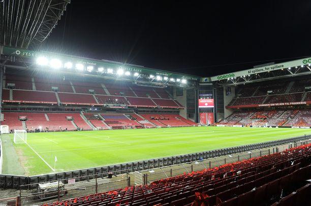 Stadionia ei vielä saada täyteen nykyisillä rajoituksilla.