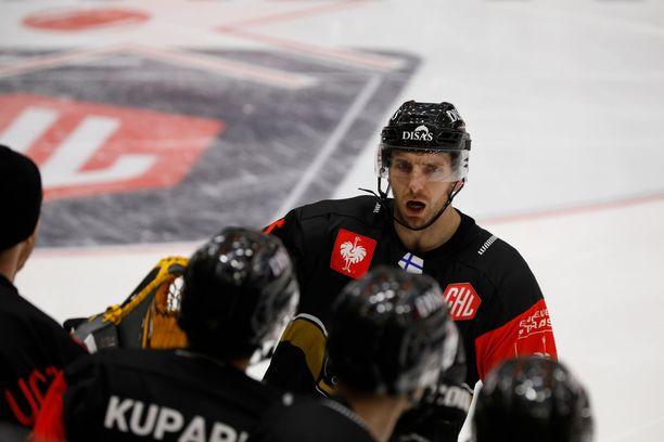 Oskar Osala teki Kärppien ainoan maalin Raksilassa.