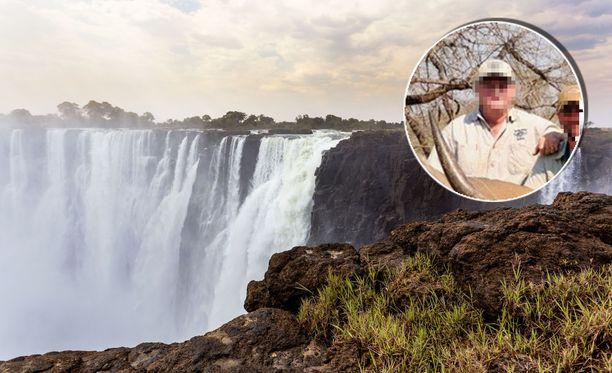 Neljä suomalaista turistia kuoli perjantaiaamuna lentoturmassa Zimbabwessa. Konetta lensi Buffalo Range Safaris -yrityksen omistaja .