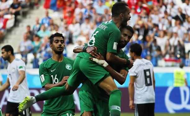 Saudi-Arabia nousi tasoihin ensimmäisen jakson lopulla.