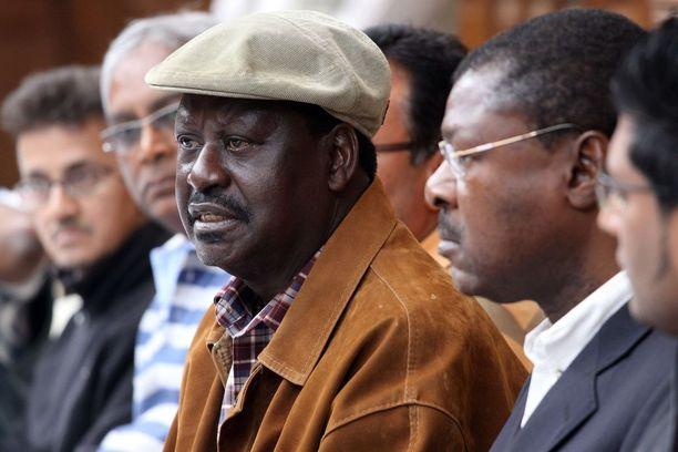 Kenian entinen pääministeri Raila Odinga tuomitsi tiedotustilaisuudessa vuonna 2013 ostoskeskukseen tehdyn terrori-iskun.