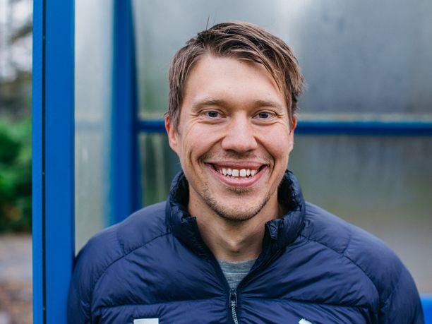 Aleksi Tossavainen on käynyt keskusteluja Markku Kanervan kanssa Huuhkajien henkisestä valmistautumisesta.