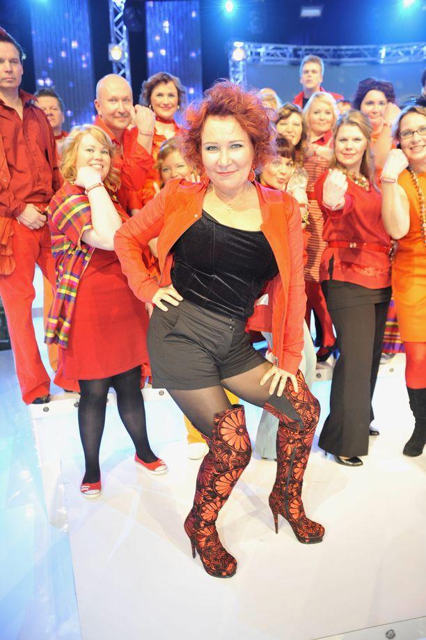 Vuonna 2010 Virve Rosti oli mukana Kuorosota-ohjelmassa johtamassa Vantaan kuoroa.