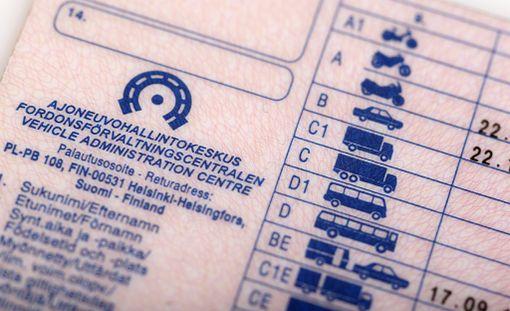 Ajokortin saanti helpottuu ja halpenee, jos lakiuudistus menee läpi.