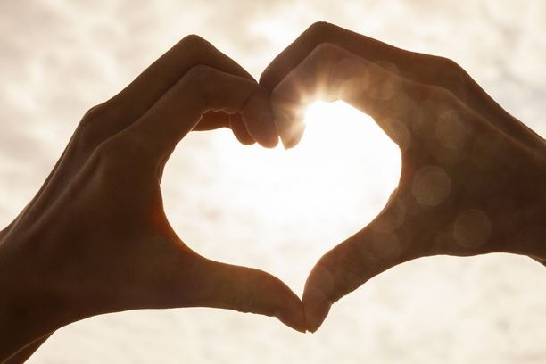Uskottoman osapuolen pitää pyytää aidosti anteeksi aiheuttamaansa kärsimystä. Hänen pitää kuunnella ja asettua puolisonsa asemaan.