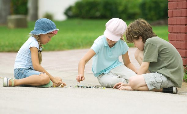 Likinäköisyyttä esiintyi tutkimuksen mukaan huomattavasti vähemmän lapsilla, jotka viettivät välituntinsa ulkona.