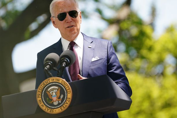 USA:n presidentti Joe Biden on ollut presidenttinä sata päivää. Kuva otettu tiistaina, kun Biden puhui Valkoisella talolla.