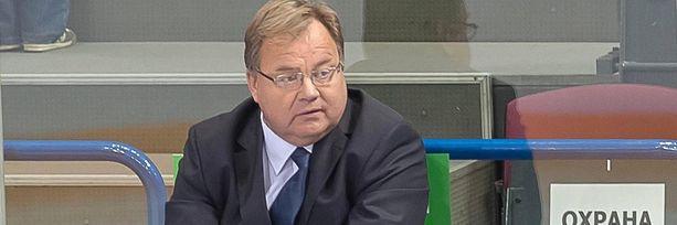 Hannu Jortikka johdattaa nimetöntä Admiral Vladivostokia kohti KHL:n pudotuspelejä.