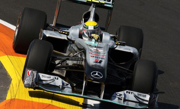 Nico Rosberg päristeli harjoitusten nopeimmaksi.