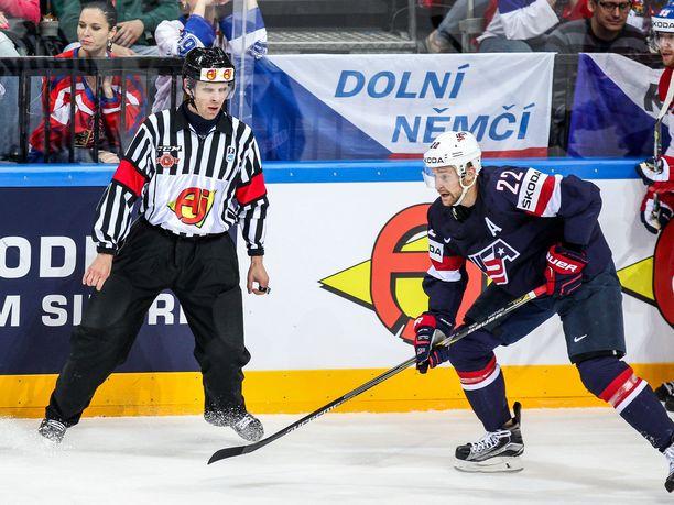 Jyri Rönn on toiminut Liigan erotuomarijohtajana vuodesta 2015 saakka. Saman vuoden toukokuussa hän oli tuomarina MM-kisojen pronssiottelussa USA-Tshekki.
