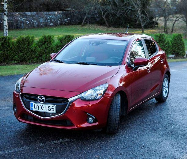 Pikkunäppärä Mazda2 on helposti ajettava ja suhteellisen mukava auto.