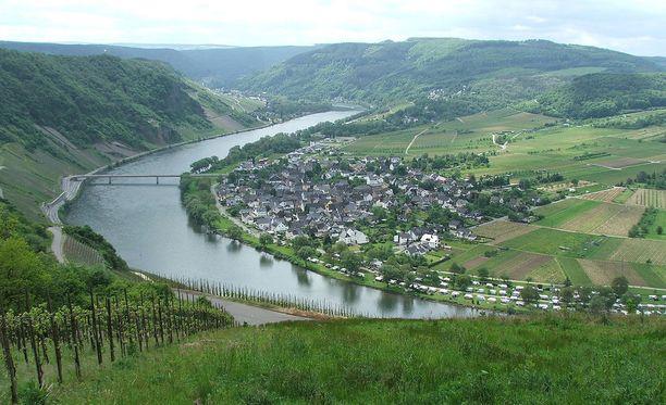Mosel-joki virtaa Ranskan, Luxemburgin ja Saksan läpi.