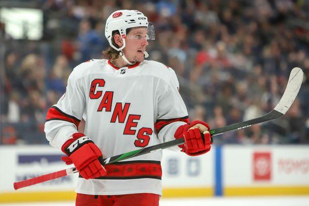 Florida on Erik Haulan neljäs NHL-seura. Aiemmin hän on pelannut Minnesotassa, Vegasissa ja tämän kauden Carolinassa.